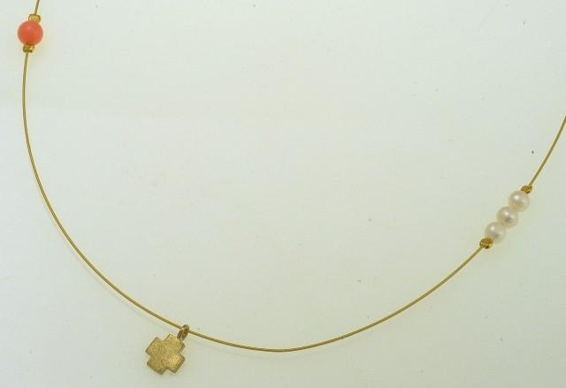 Περιδέραιο χειροποίητο από ασήμι 925 με επιχρύσωμα δεμένο με μαργαριτάρι και διάφορες πέτρες