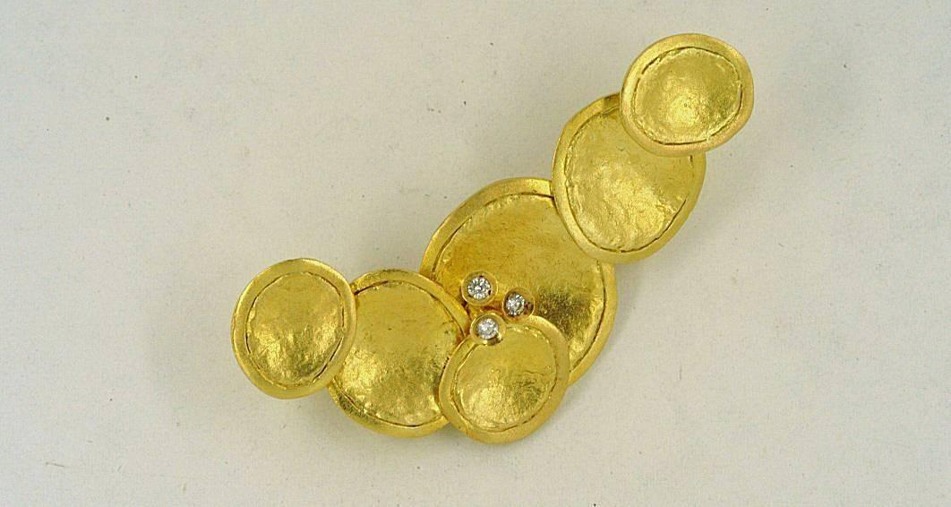 Χρυσή καρφίτσα 14Κ η' 18Κ με συνθετική πέτρα η' διαμάντια