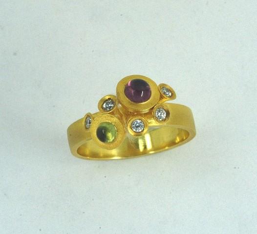 Χρυσό δαχτυλίδι 14Κ η' 18Κ με συνθετικές πέτρες η' ημιπολύτιμες πέτρες και διαμάντια
