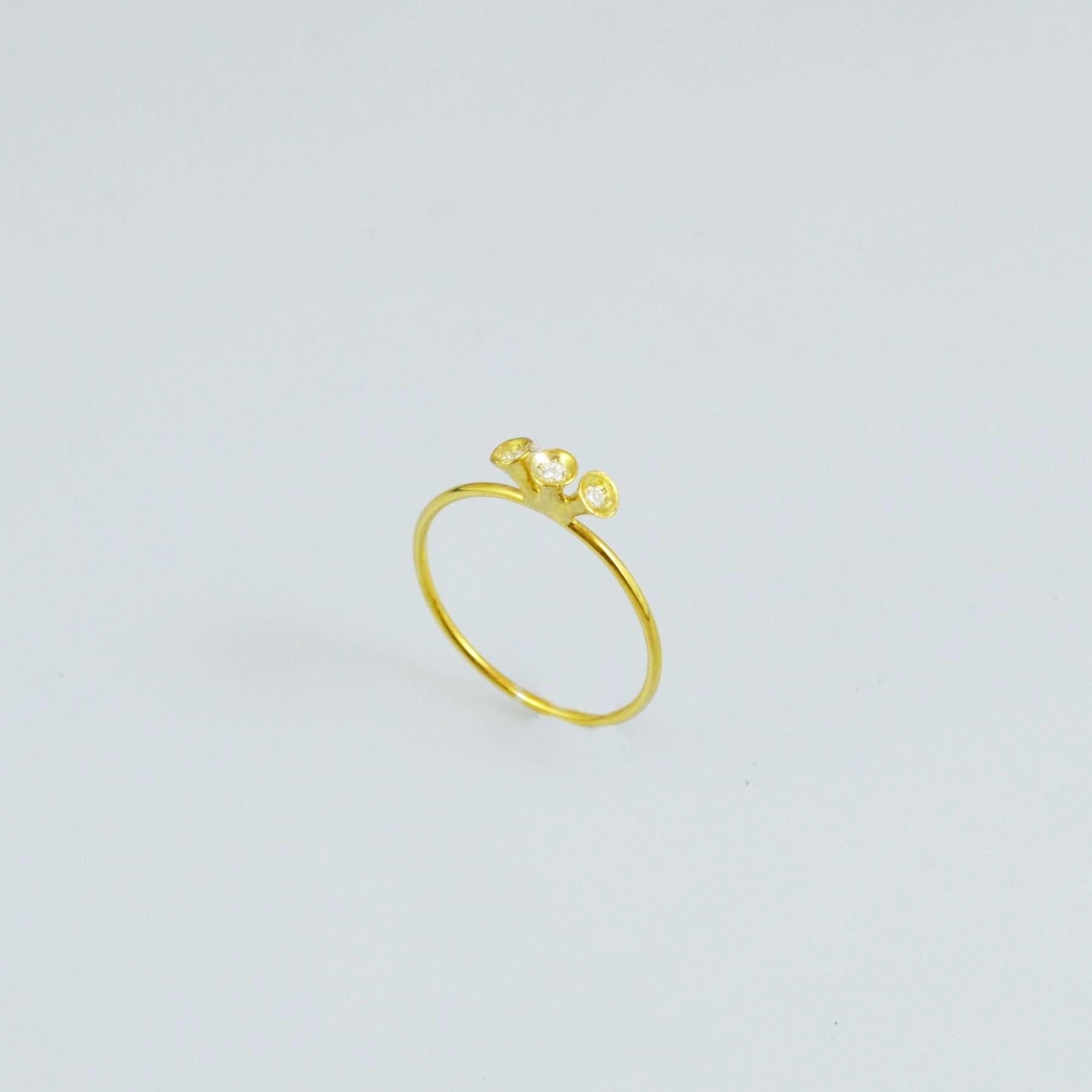 Δαχτυλίδι χειροποίητο χρυσό ή λευκόχρυσο στα 18 ή 14 καράτια με διαμάντια ή κυβικά ζιρκόνια