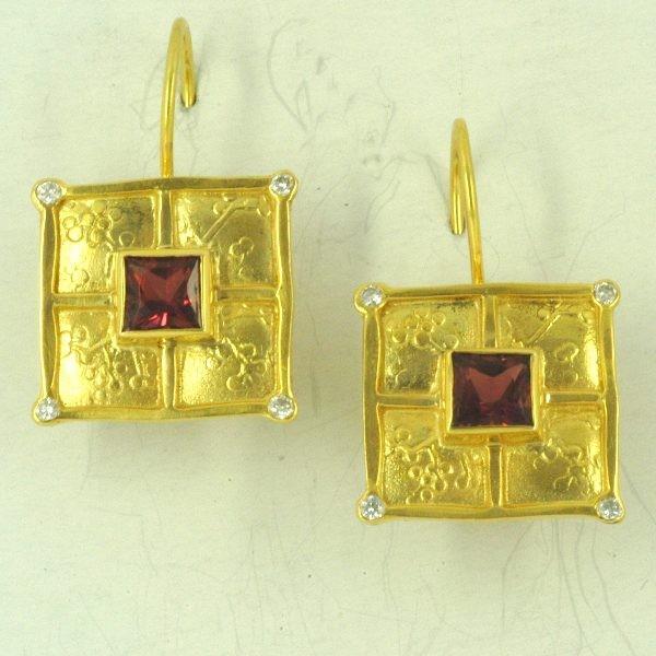 Χρυσά σκουλαρίκια 14Κ η' 18Κ με συνθετικές πέτρες η' ημιπολύτιμες πέτρες και διαμάντια