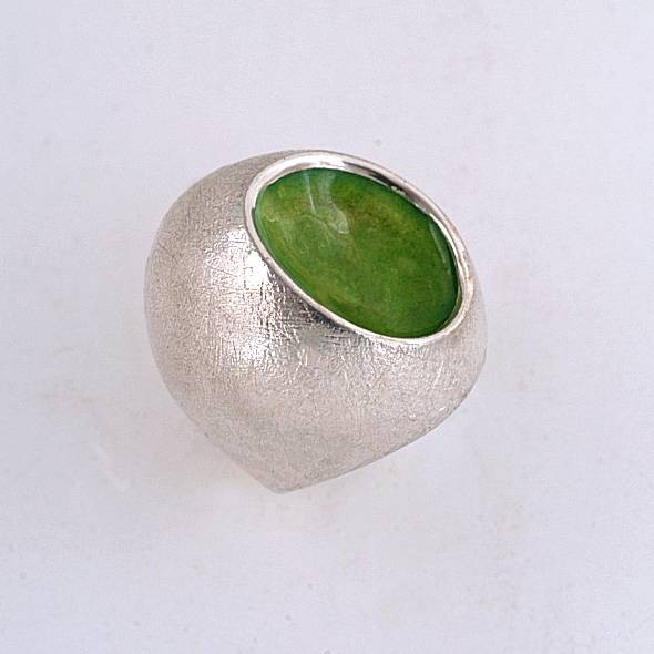 Silver ring 925 enameled with green colors