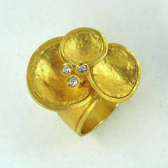 Gold ring 14K or 18K with synthetic stones or diamonds brilliant cut