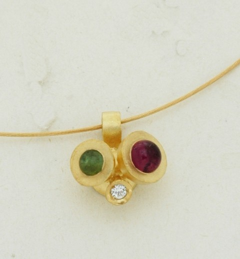 Gold pendant 14K or 18K with synthetic stones or diamonds brilliant cut and semiprecious stones