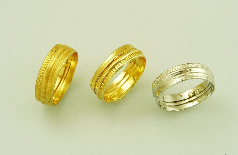 Wedding rings handmade gold or white gold in 18 or 14 carats