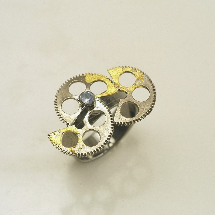 Silver ring 925 black rhodium plated with synthetic stones and gold leaf 22K