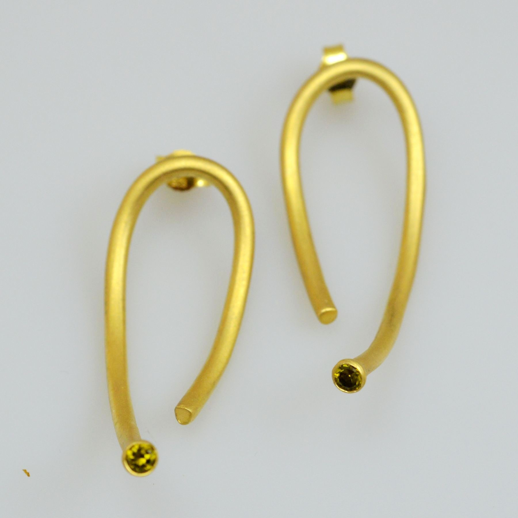 Silver earrings 925 gold plated with synthetic stones