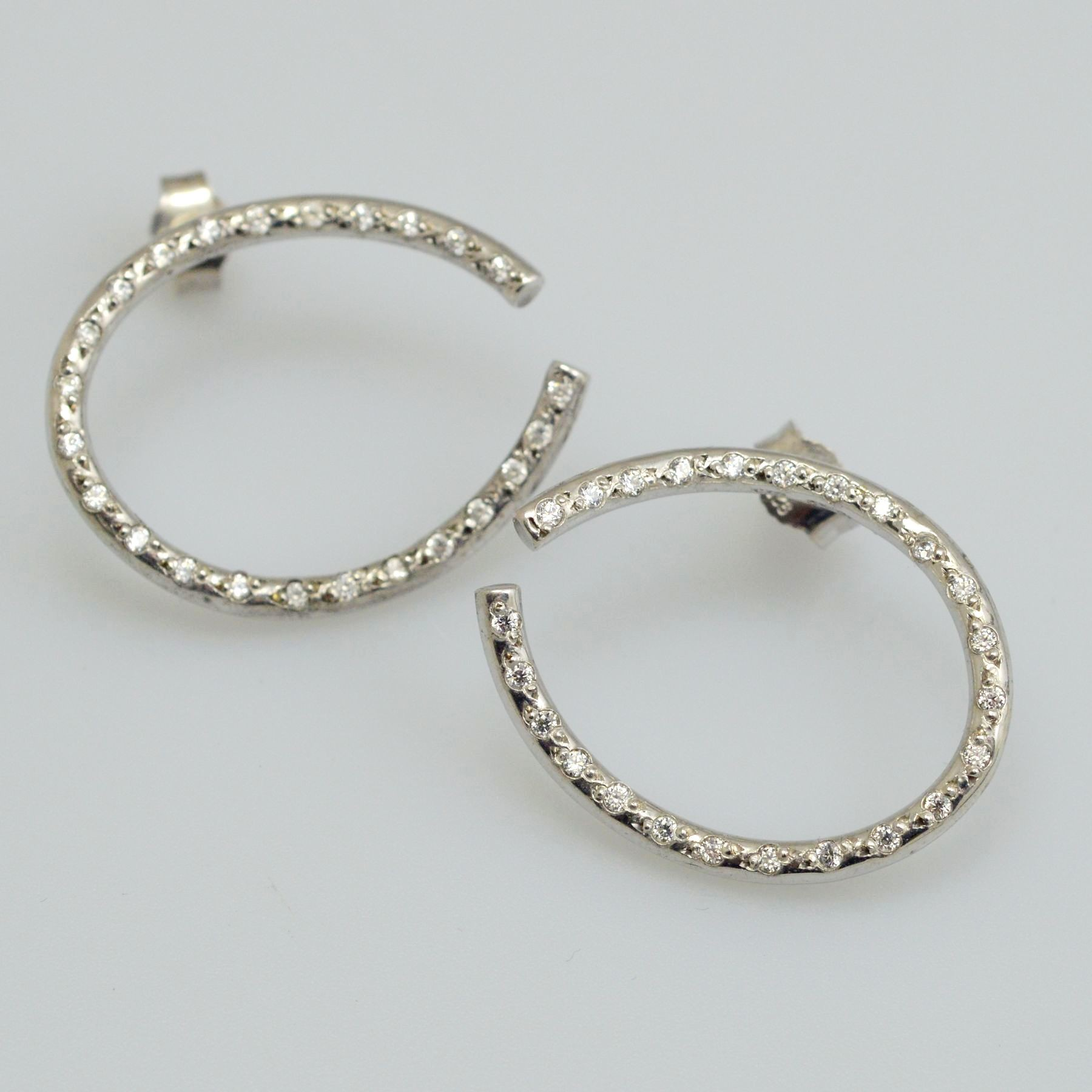 Silver earrings 925 rhodium plated with synthetic stones
