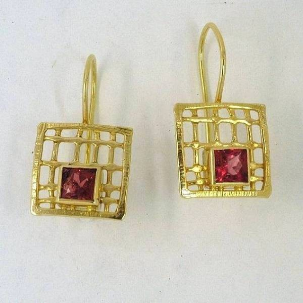 Gold earrings 14K or 18K with semiprecious stones
