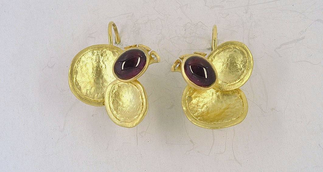 Gold earrings 14K or 18K with synthetic stones or diamonds brilliant cut and semiprecious stones