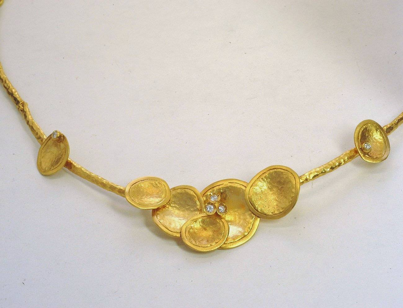 Gold necklace 14K or 18K with synthetic stones or diamonds brilliant cut