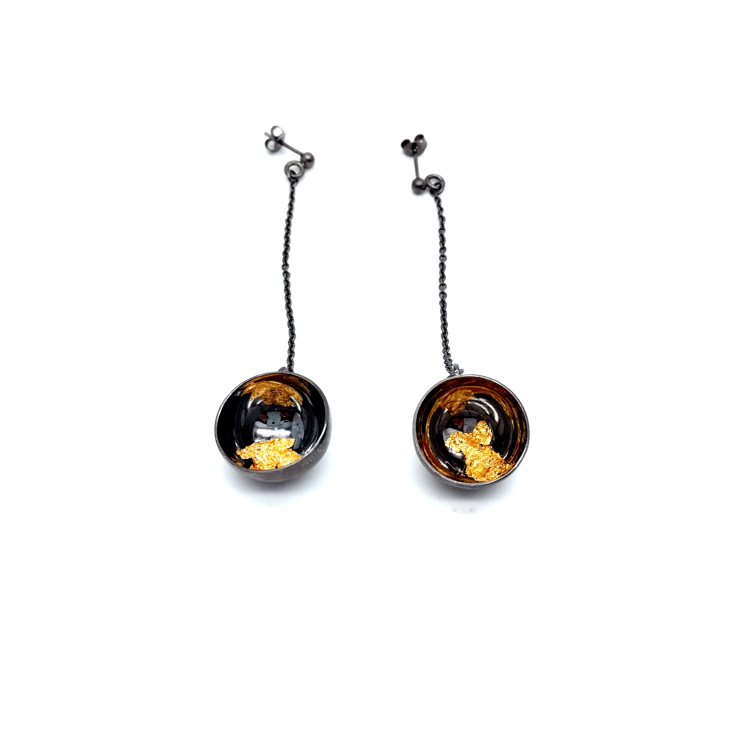 Silver earrings 925 black rhodium plated with resin and gold leaf 22K