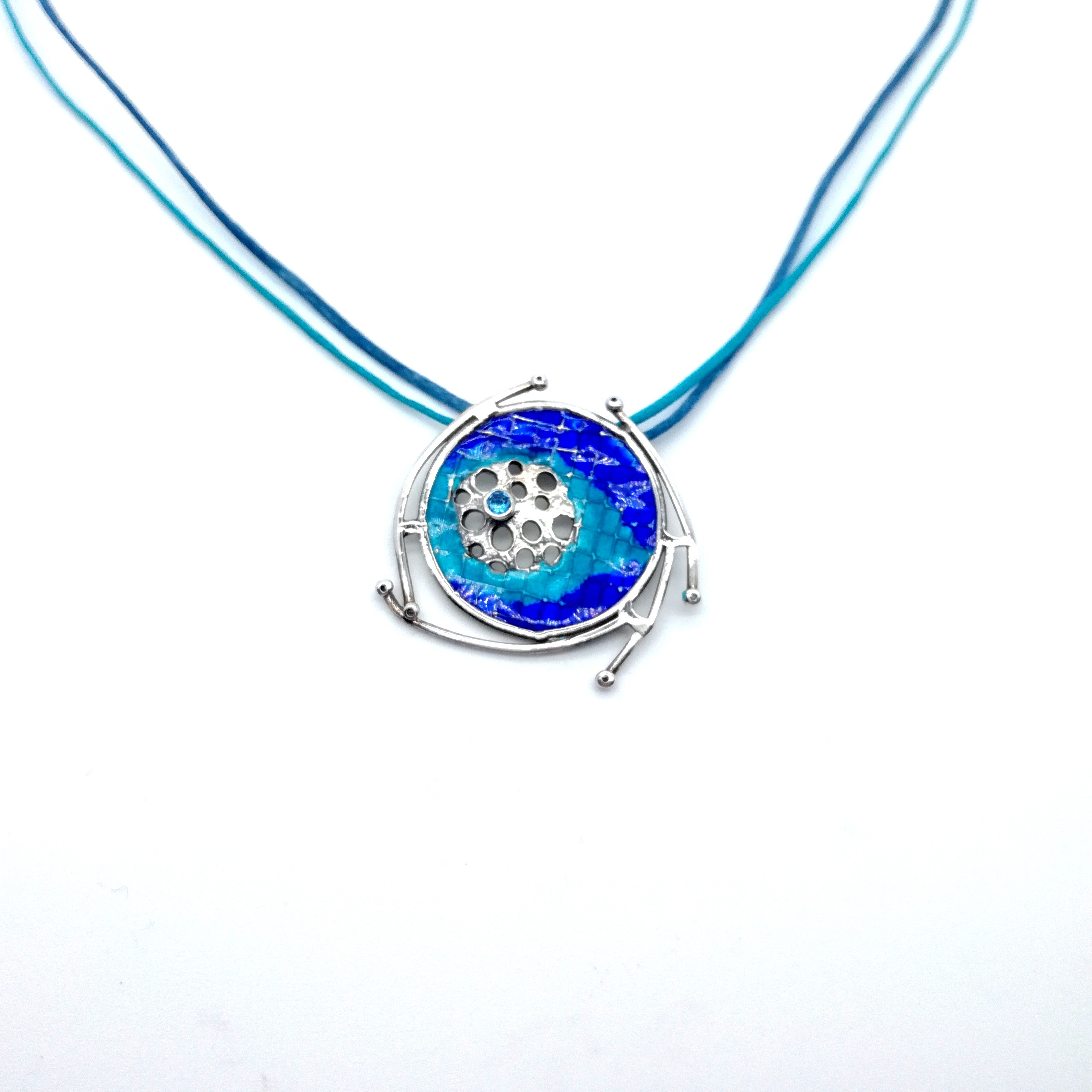 Silver pendant 925 with enamel and synthetic stones