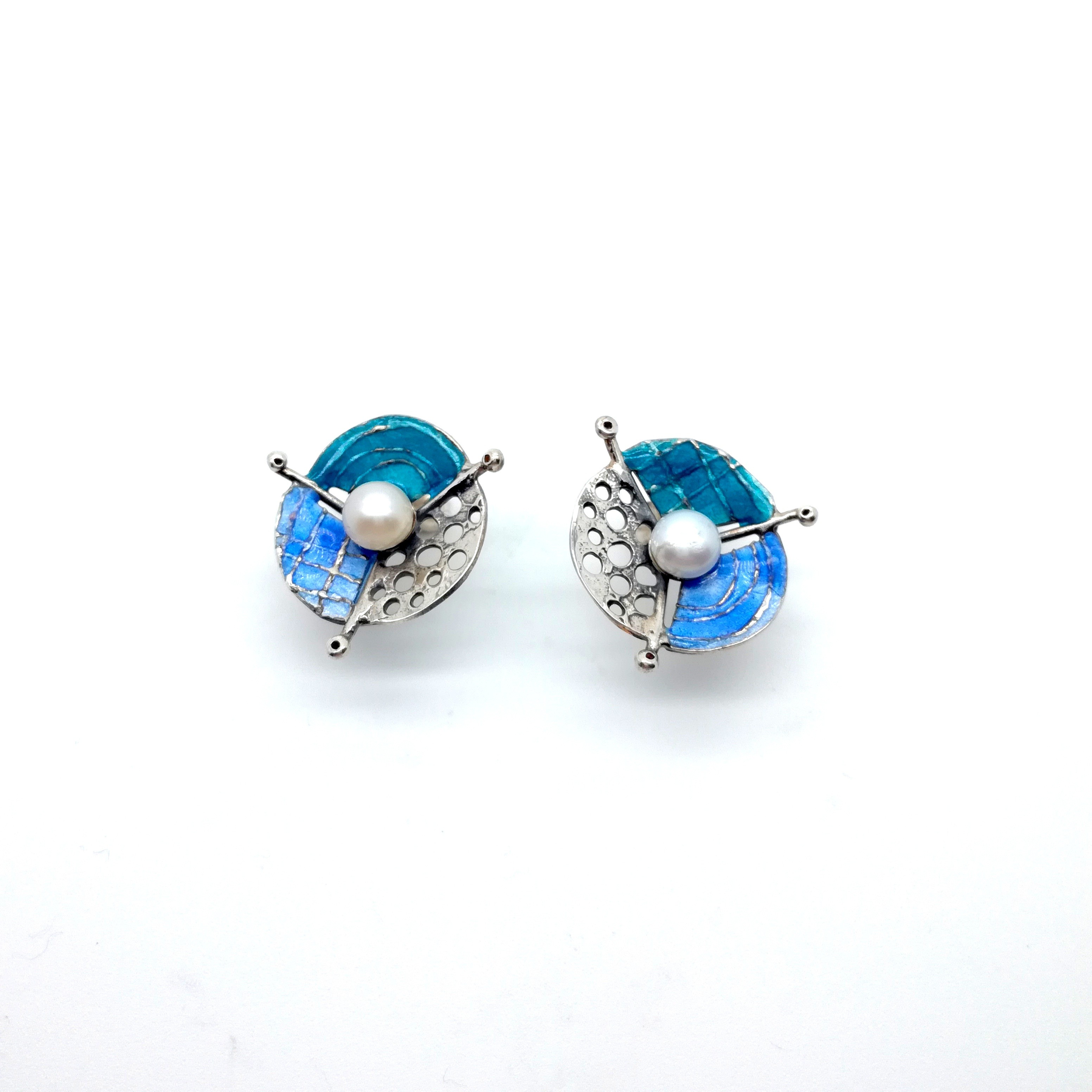 Silver earrings 925 with enamel and pearl