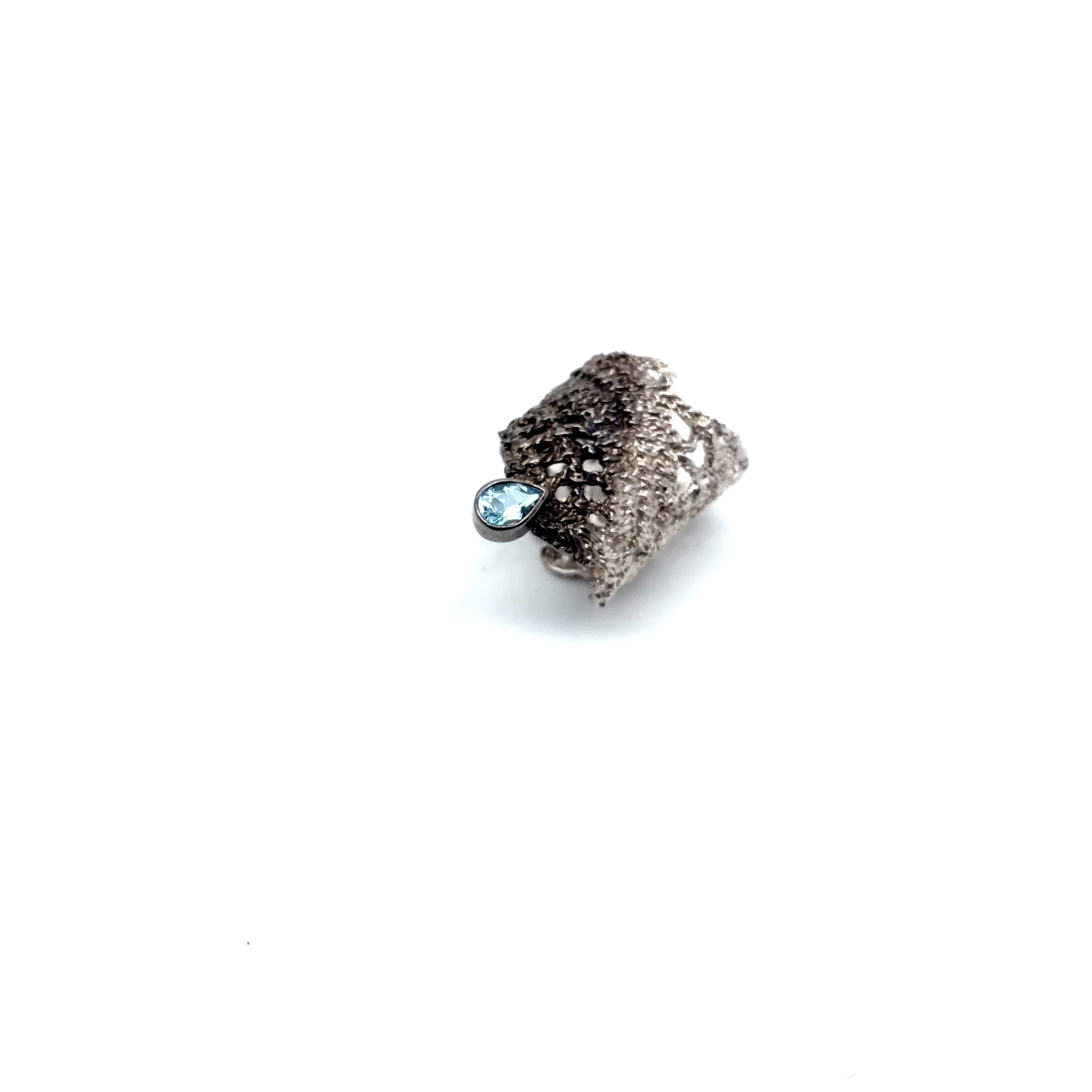 Silver handmade ring in sterling silver rhodium, black rhodium or gold plated with synthetic stone