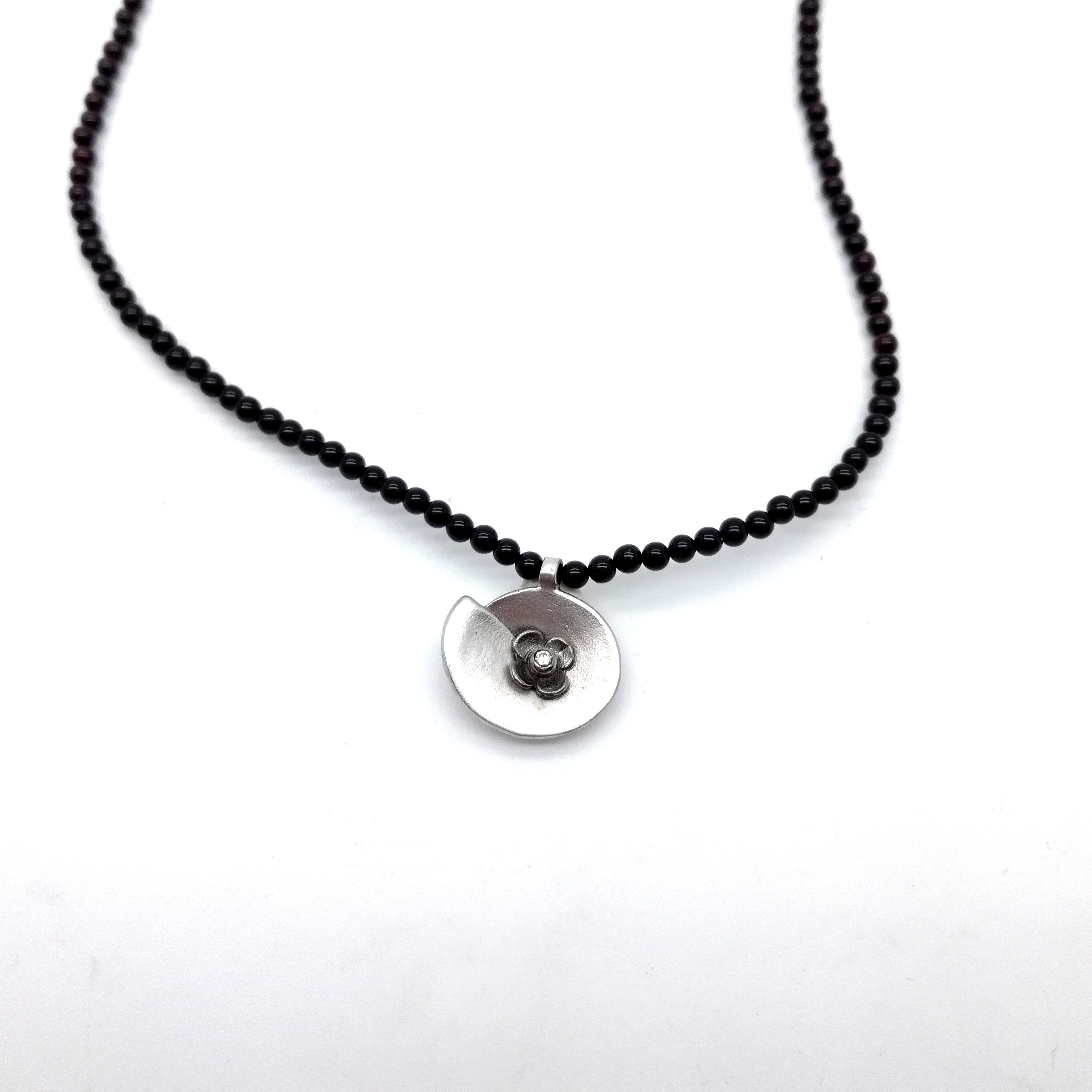Silver necklace 925 black rhodium and rhodium plated with synthetic stones