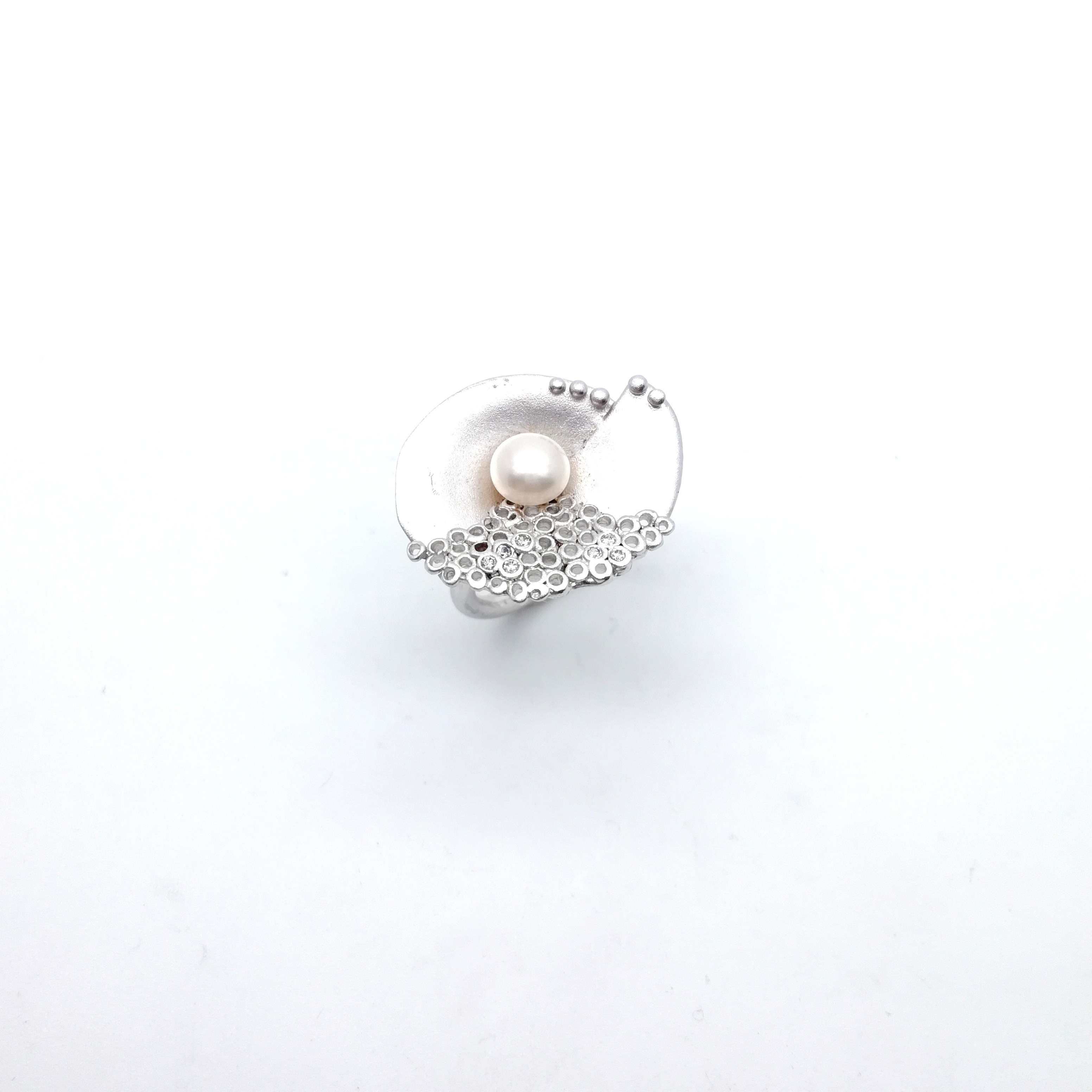 Silver ring 925 black rhodium plated with pearl