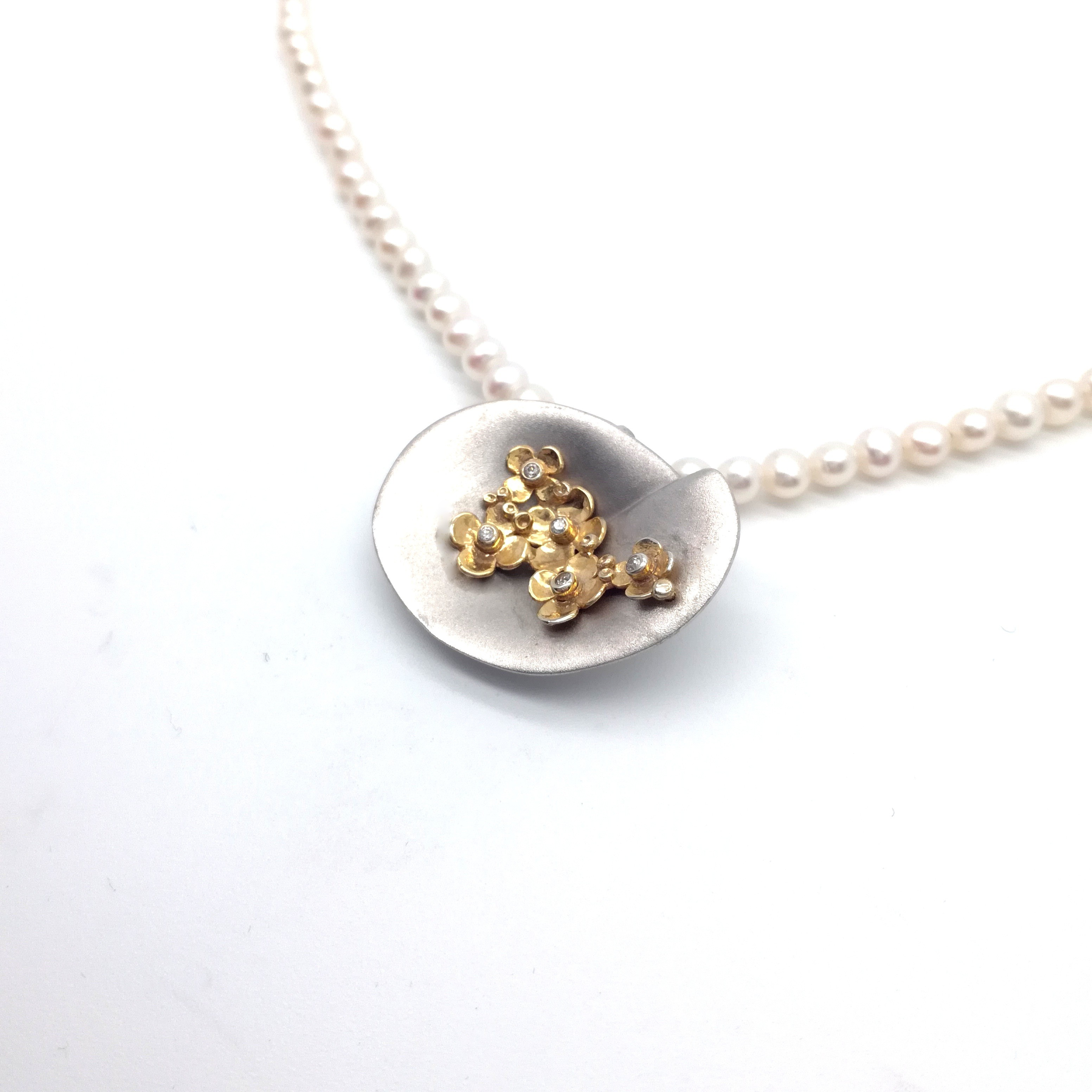 Silver necklace 925 rhodium and gold plated with pearl and synthetic stones