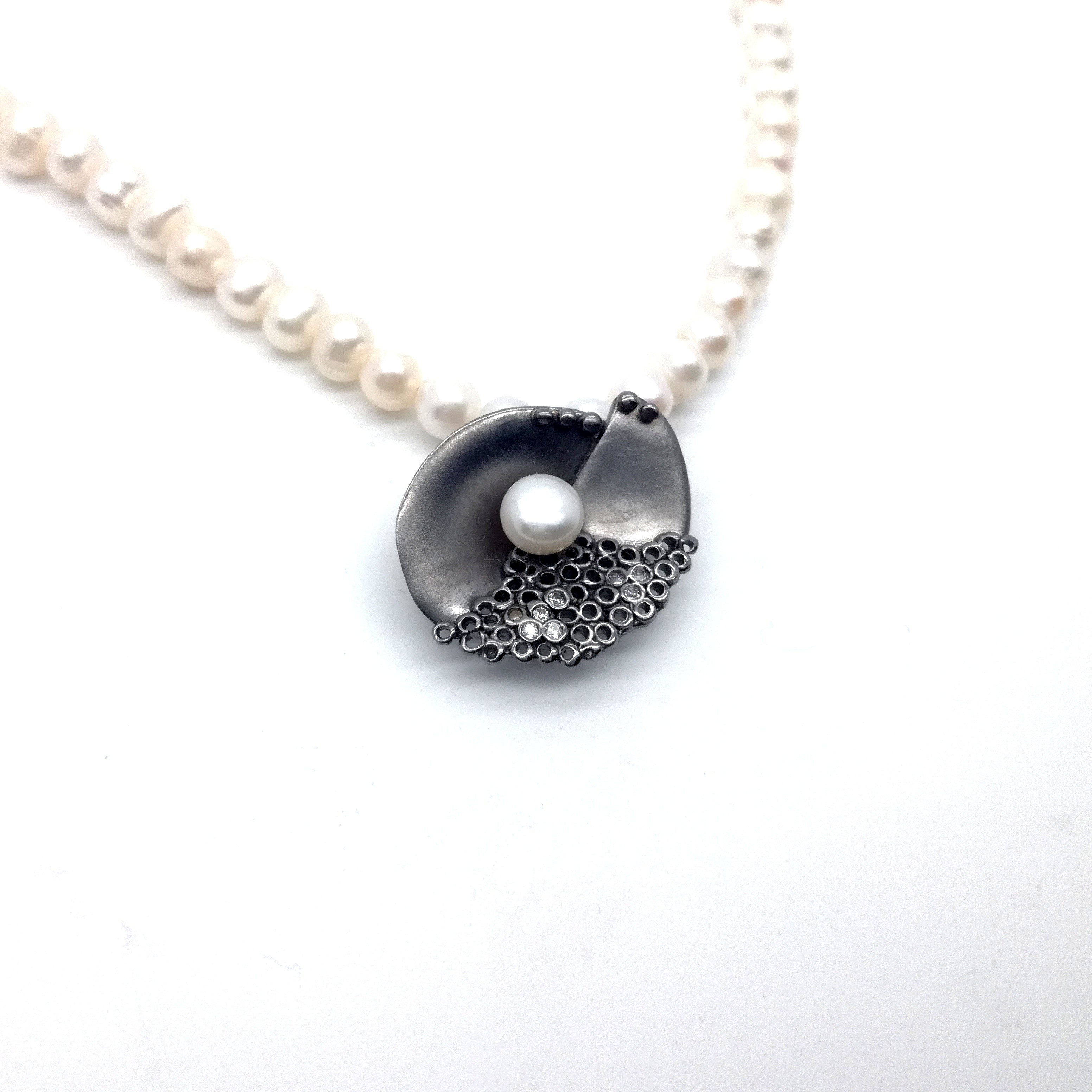 Silver pendant 925 black rhodium plated with synthetic stones and pearl